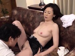HOT JAPONESE MOTHER IN LAW 12740
