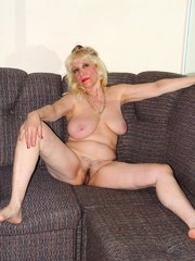 Angel face blond mature superb hairy cunt